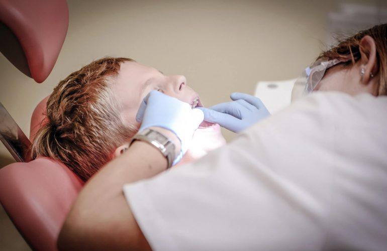extractii dinti chirurgie orala