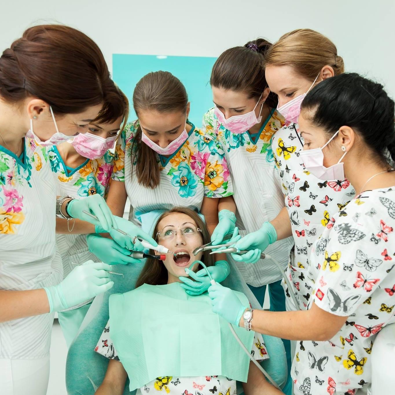 echipa medicala radent center bistrita