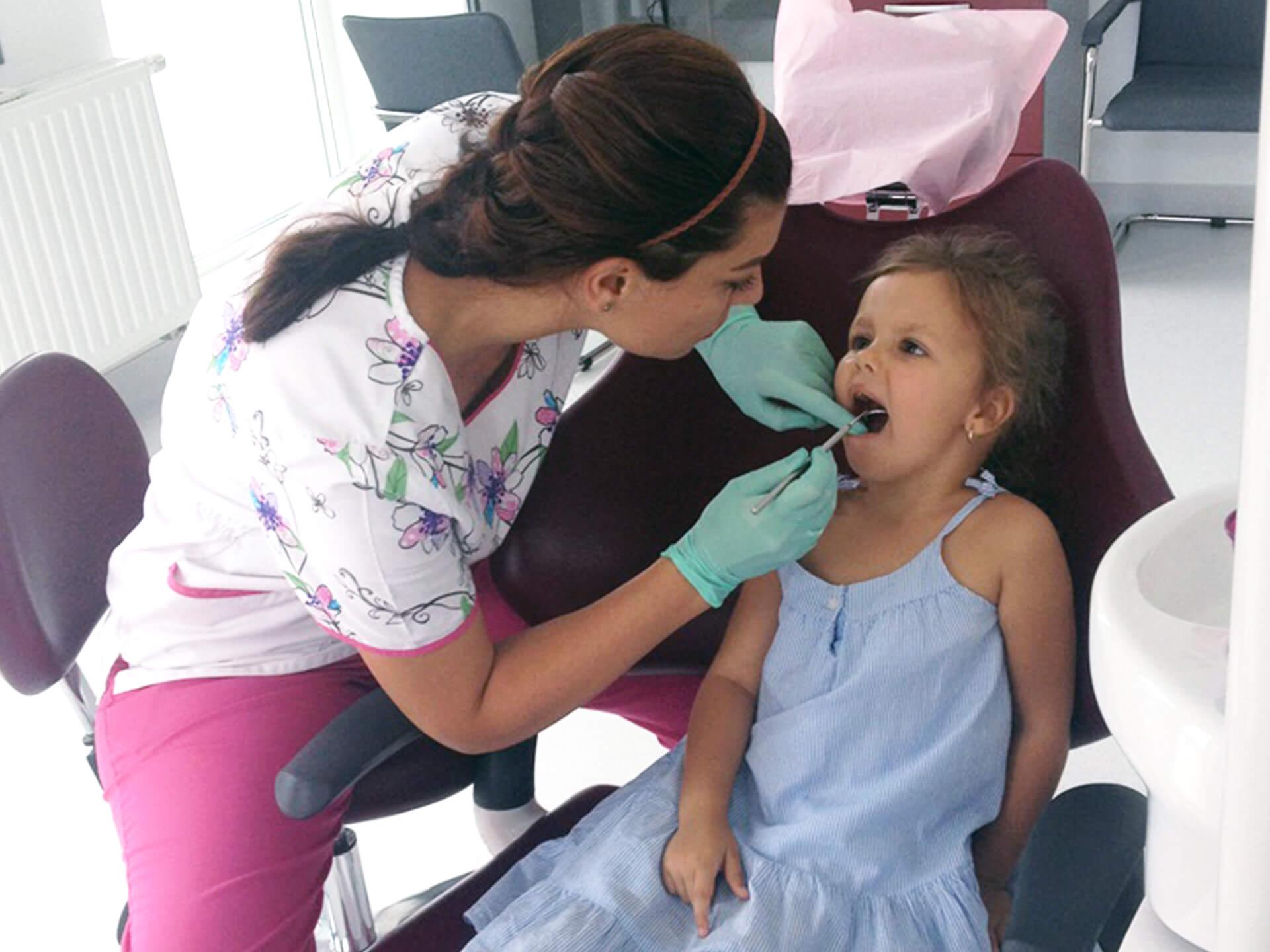 stomatologie copii clinica bistrita